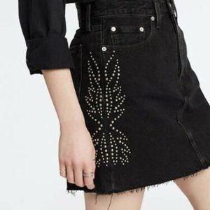NWT Levi's High Rise Decon Studded Skirt sz 24 25